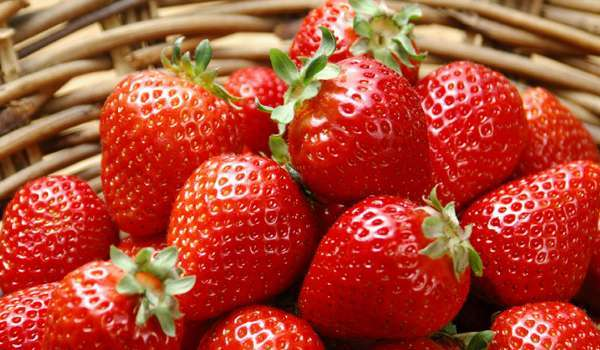 Strawberry - How to Whiten Teeth Naturally at Home Fast